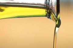 olive-oil-vagina-moisturizer-1_feat